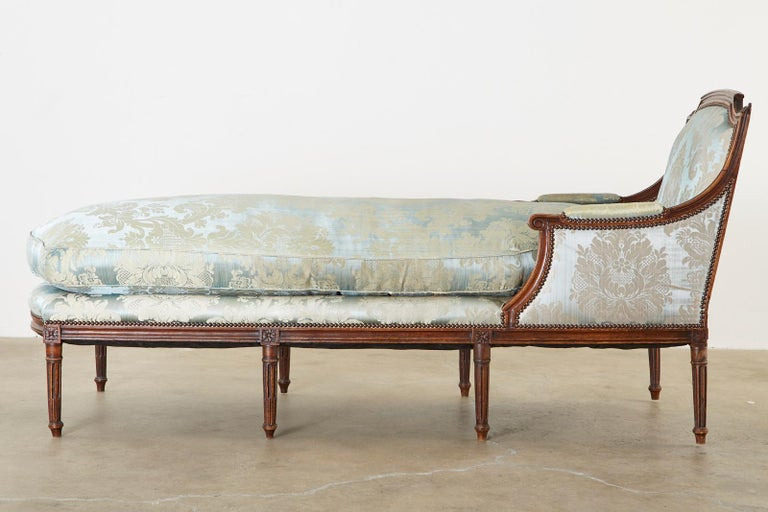 Hand-Crafted 19th Century French Louis XVI Style Chaise Lounge Daybed For Sale
