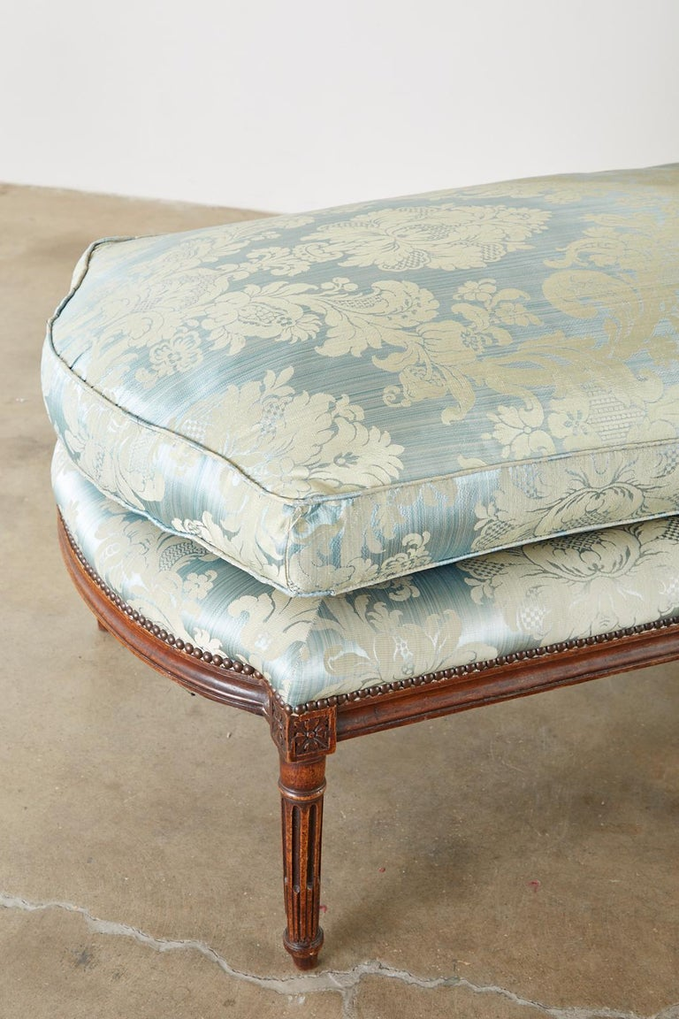 Walnut 19th Century French Louis XVI Style Chaise Lounge Daybed For Sale
