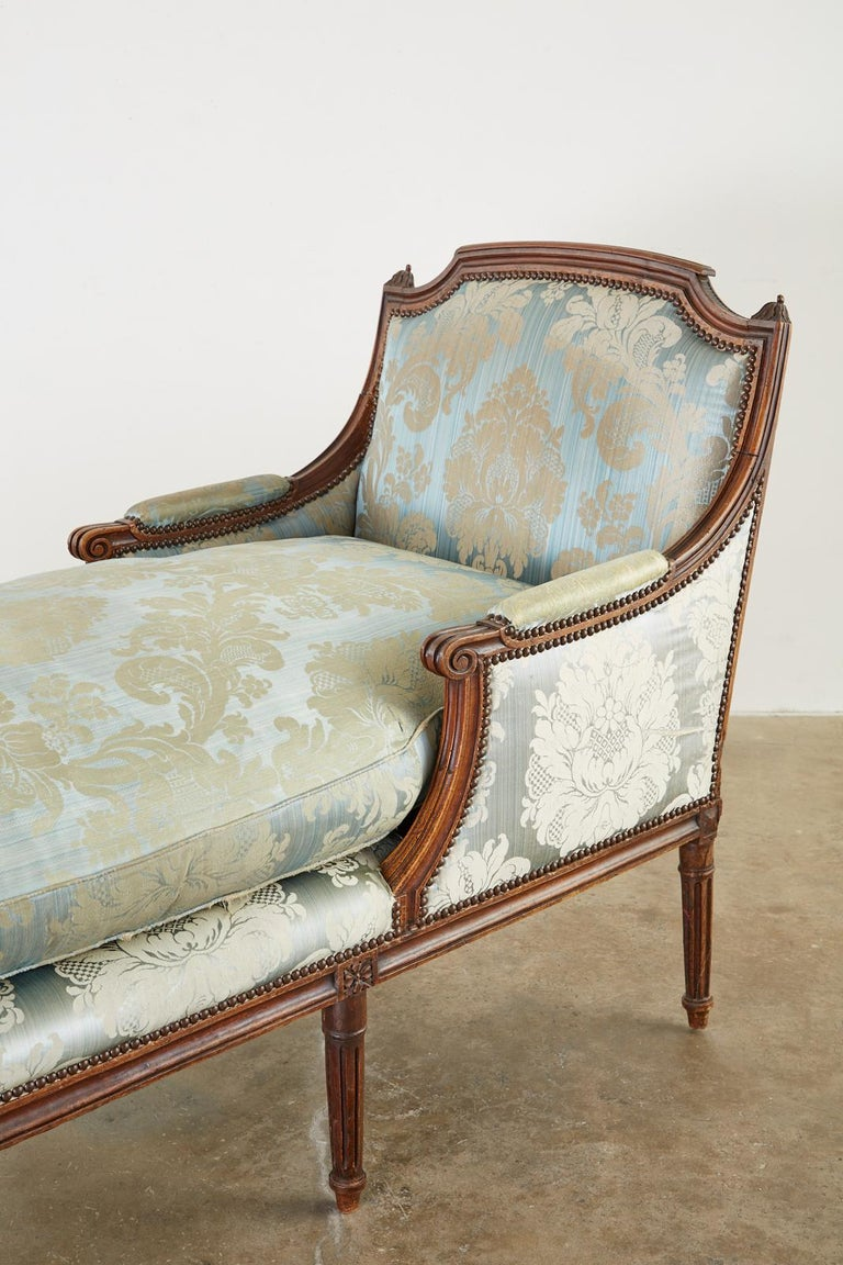 19th Century French Louis XVI Style Chaise Lounge Daybed For Sale 1