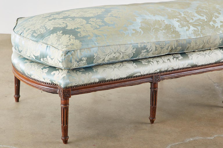 19th Century French Louis XVI Style Chaise Lounge Daybed For Sale 3