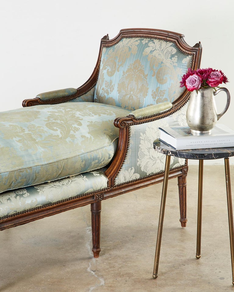 19th Century French Louis XVI Style Chaise Lounge Daybed For Sale 4