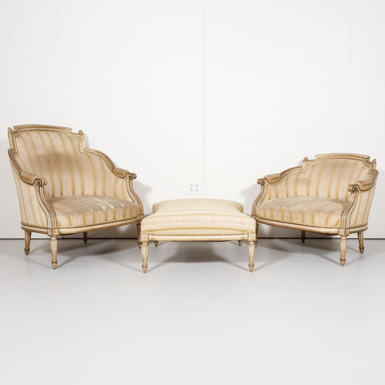 19th Century French Louis XVI Style Painted Duchesse Brisée Chaise Lounge For Sale 4