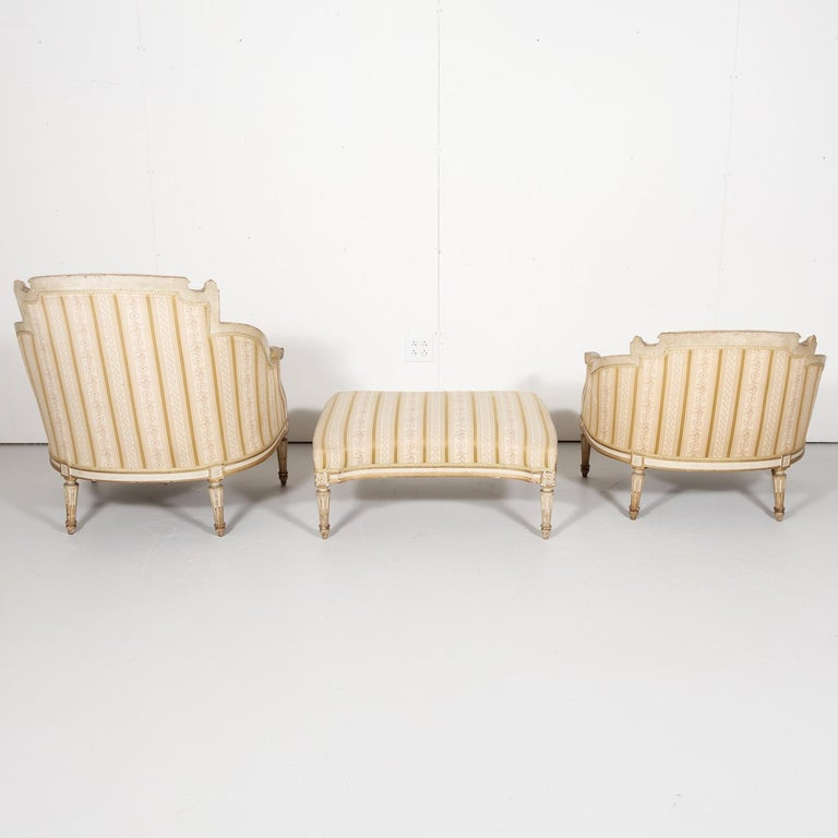 19th Century French Louis XVI Style Painted Duchesse Brisée Chaise Lounge For Sale 5