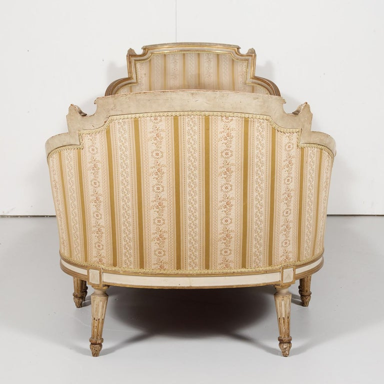 19th Century French Louis XVI Style Painted Duchesse Brisée Chaise Lounge For Sale 10