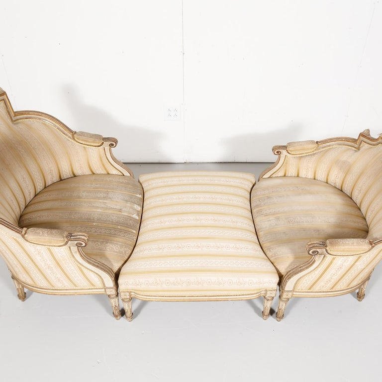 Gilt 19th Century French Louis XVI Style Painted Duchesse Brisée Chaise Lounge For Sale
