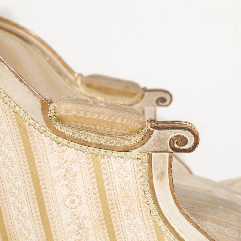 19th Century French Louis XVI Style Painted Duchesse Brisée Chaise Lounge In Good Condition For Sale In Birmingham, AL