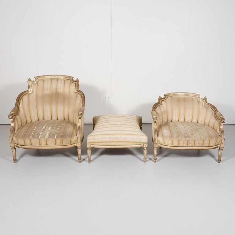 19th Century French Louis XVI Style Painted Duchesse Brisée Chaise Lounge For Sale 3