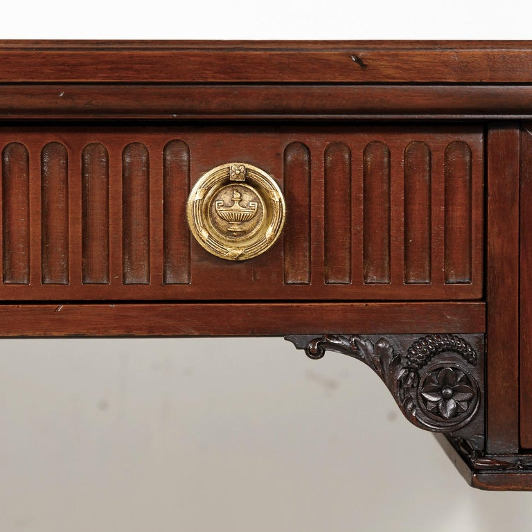 19th Century French Louis XVI Style Walnut Bureau Plat or Desk with Leather Top For Sale 7