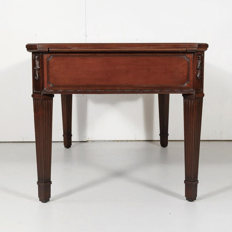 19th Century French Louis XVI Style Walnut Bureau Plat or Desk with Leather Top For Sale 10