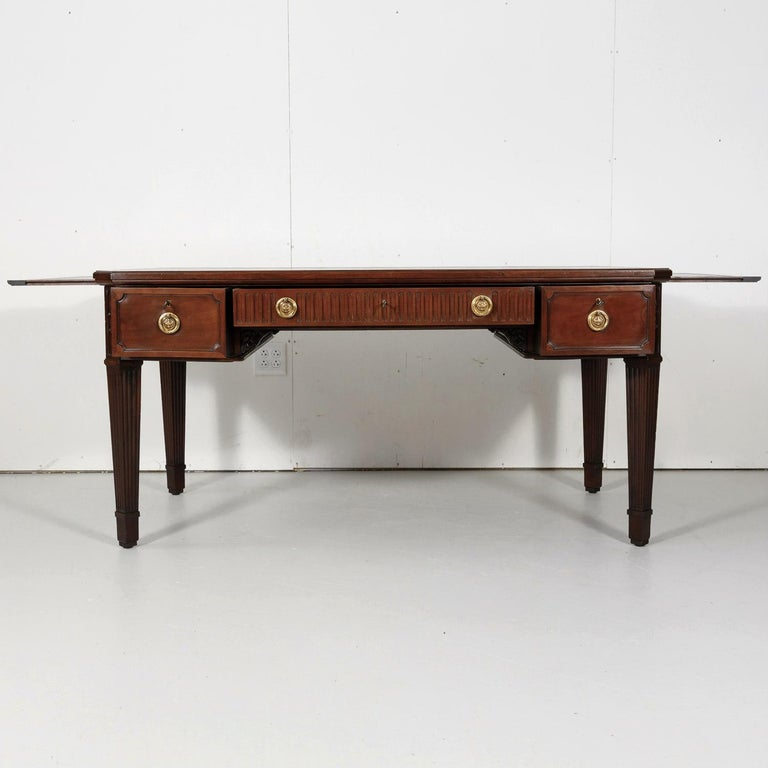 19th Century French Louis XVI Style Walnut Bureau Plat or Desk with Leather Top For Sale 1