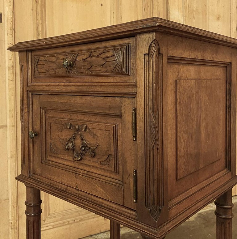 19th Century French Louis XVI Walnut Marble Top Nightstand For Sale 3