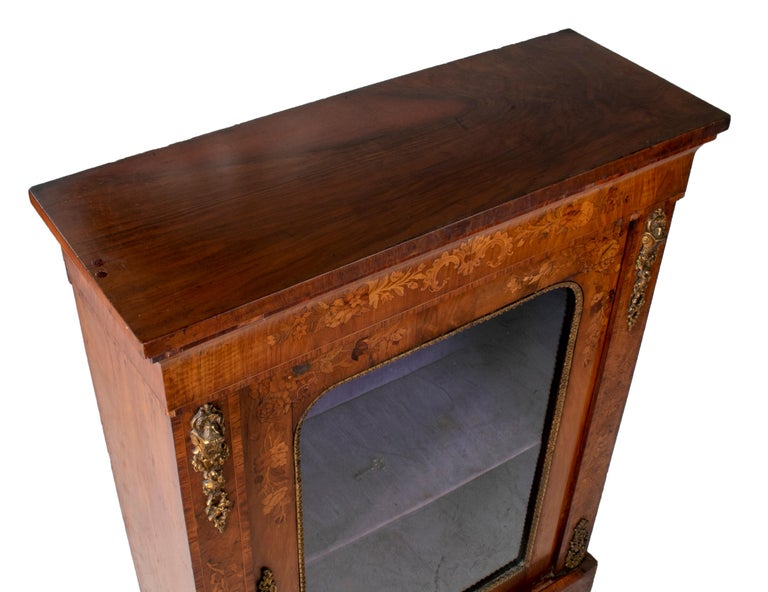 19th Century French Low Wall Cabinet with Door and Bronze Fittings In Good Condition For Sale In Malaga, ES