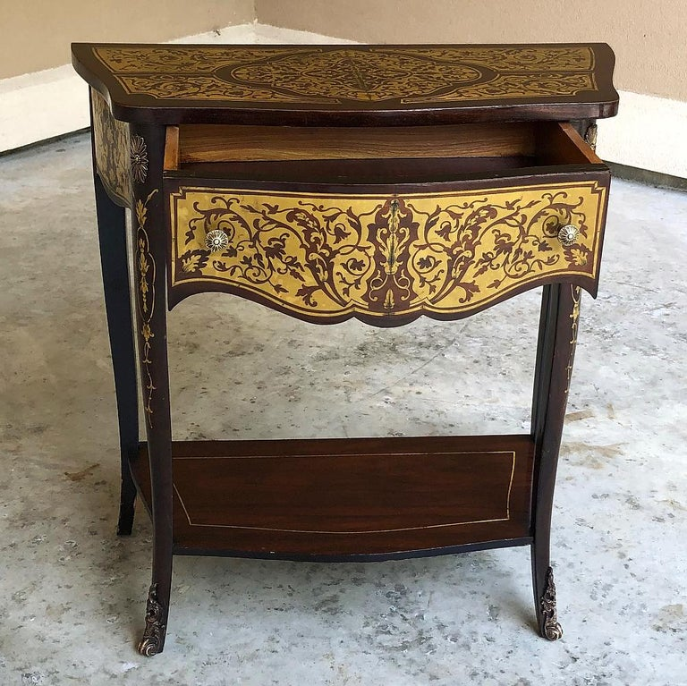 19th Century French Mahogany Console Intricately Inlaid with Brass In Good Condition For Sale In Dallas, TX