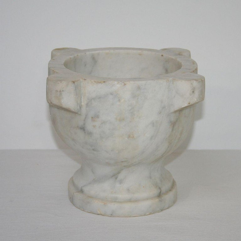 Beautiful 19th century French white marble mortar. Great conditions.
