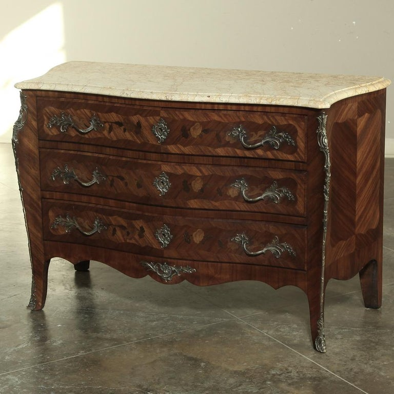 19th Century French Marble-Top Serpentine Commode For Sale 5