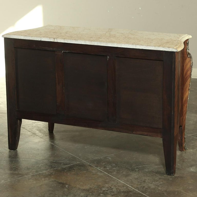 19th Century French Marble-Top Serpentine Commode For Sale 11
