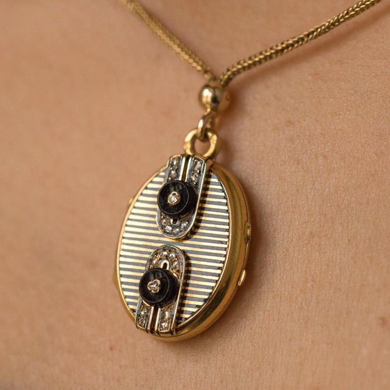 19th Century French Napoleon 3 Diamond Enamelled Locket Pendant Necklace In Good Condition For Sale In Poitiers, FR
