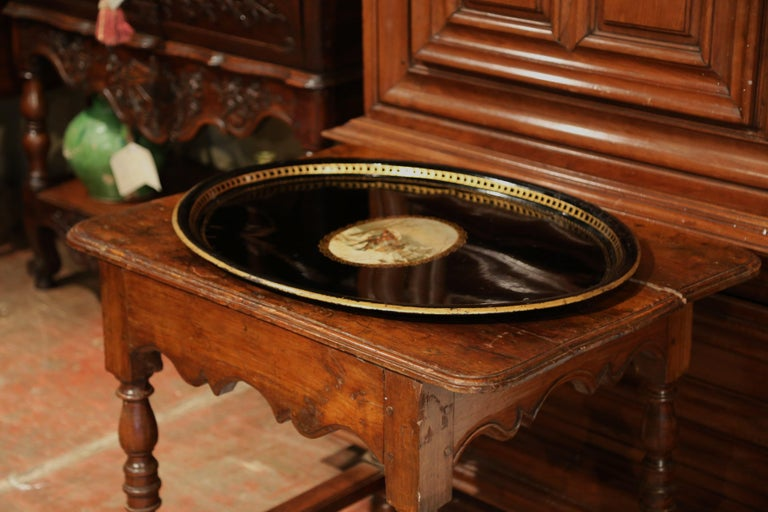19th Century French Napoleon III Oval Tole Tray with Hand Painted Medallion For Sale 1