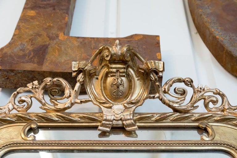19th Century French Napoleon III Giltwood Pareclose Mirror For Sale 1
