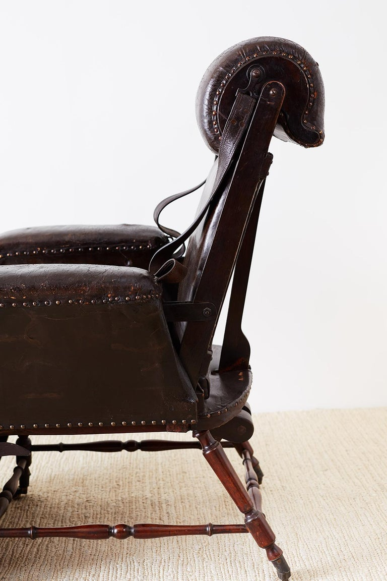19th Century French Napoleon III Leather Reclining Armchair For Sale 6