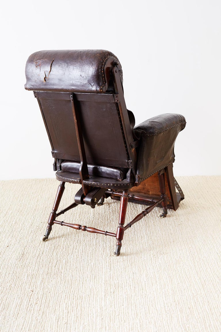 19th Century French Napoleon III Leather Reclining Armchair For Sale 15