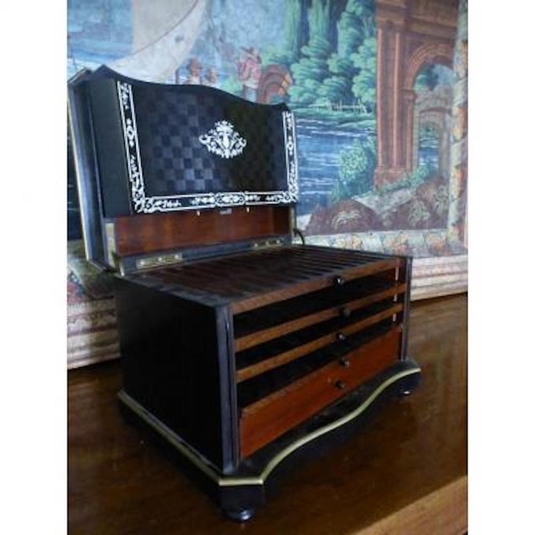 19th Century French Napoleon III Marquetry and Ivory Cigar Humidor For Sale 4