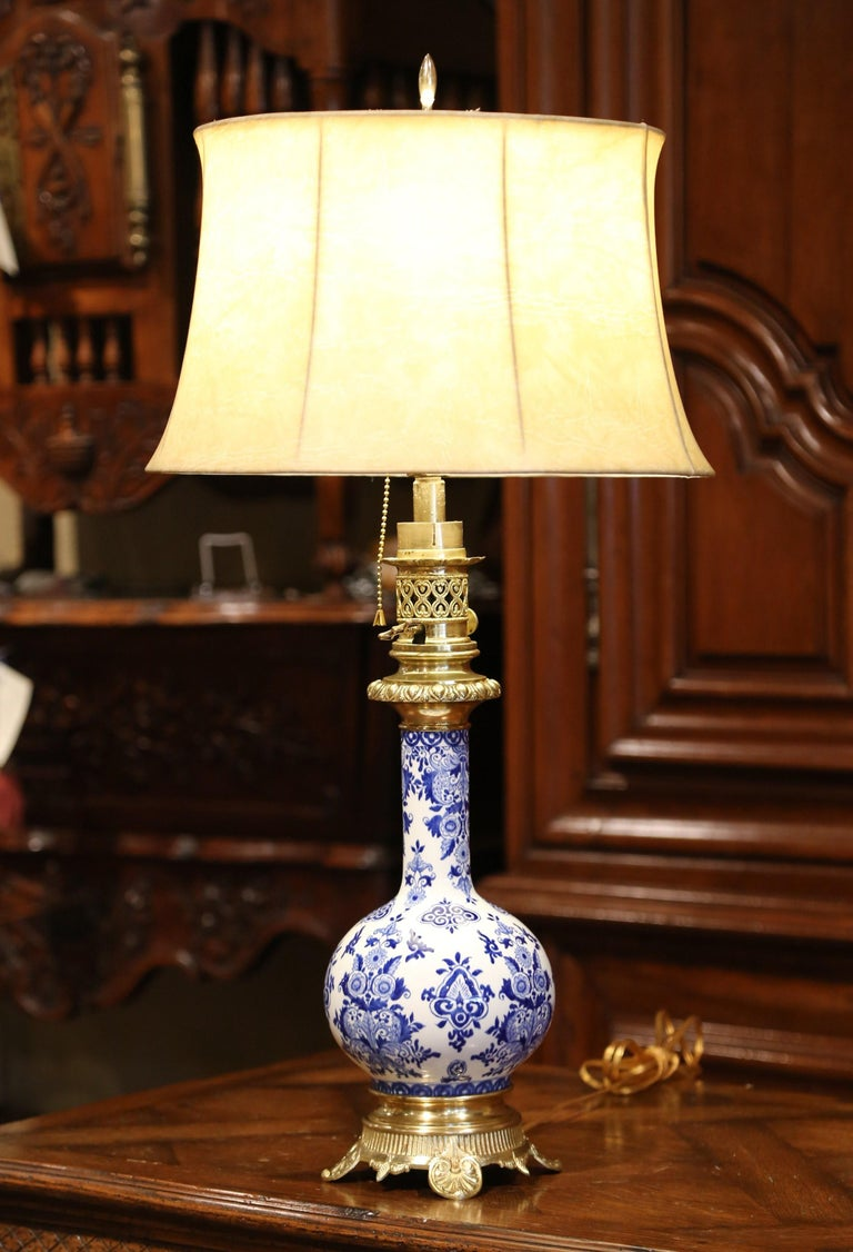 19th Century French Napoleon III Painted Porcelain and Bronze Converted Oil Lamp For Sale 1