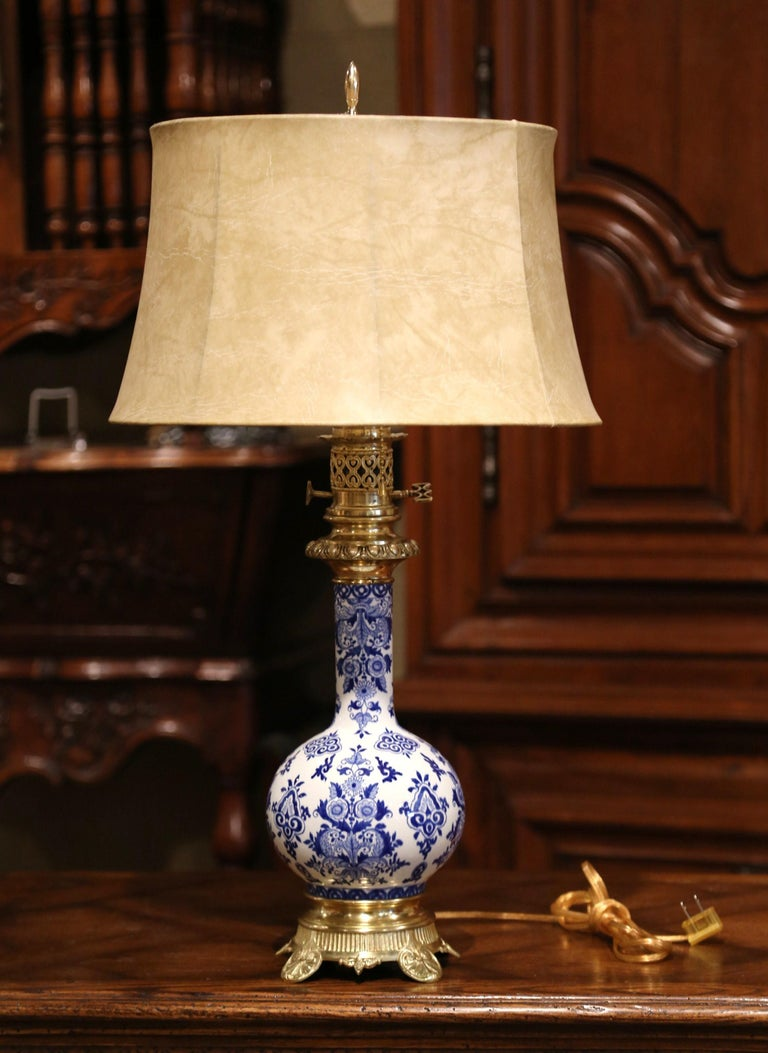 19th Century French Napoleon III Painted Porcelain and Bronze Converted Oil Lamp For Sale 2