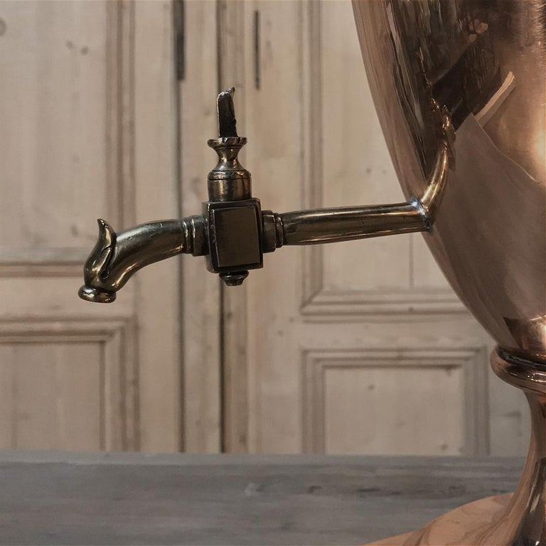19th Century French Neoclassical Copper and Brass Tea Server or Coffee Urn In Good Condition For Sale In Dallas, TX