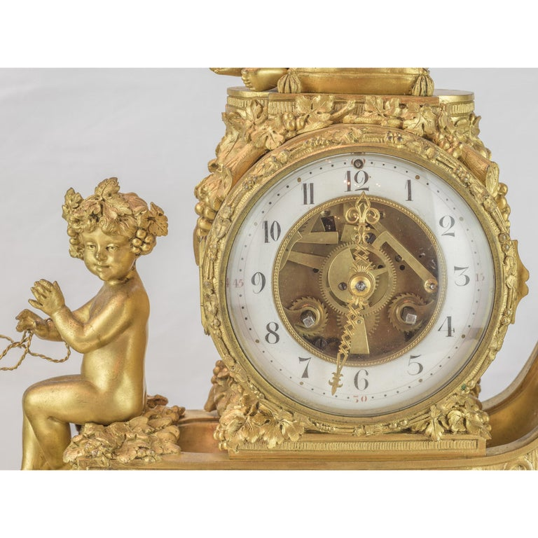 19th Century French Ormolu and White Marble Mantel Clock In Good Condition For Sale In New York, NY