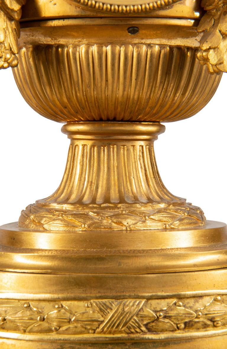 19th Century French Ormolu Urn Shape Mantel Clock For Sale 6
