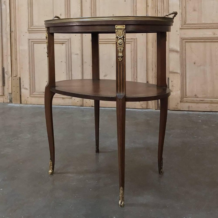 19th Century French Oval Marquetry and Ormolu Occasional Table with Glass Tray In Good Condition For Sale In Dallas, TX