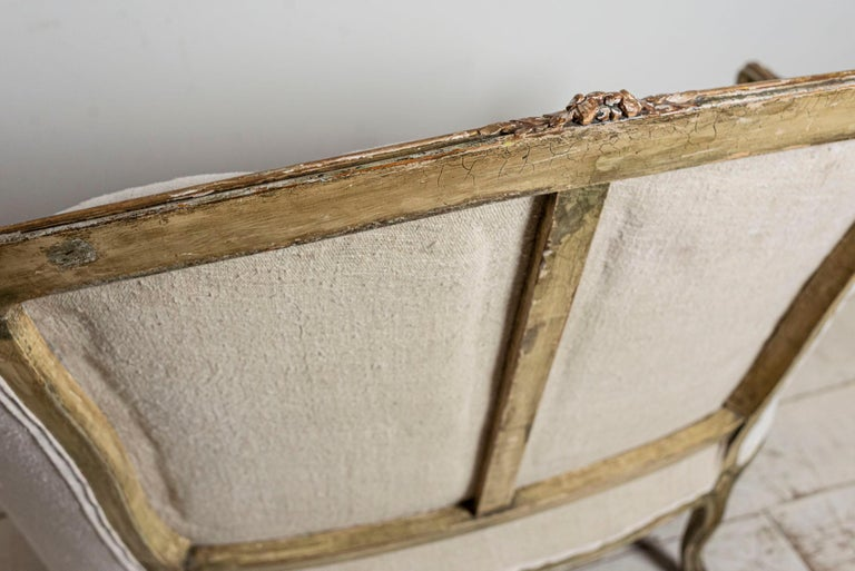 19th Century French Painted Button Backed Linen Two-Seat Carved Curved Sofa For Sale 7