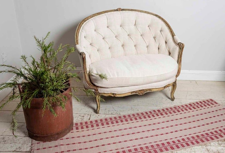 19th Century French Painted Button Backed Linen Two-Seat Carved Curved Sofa For Sale 9