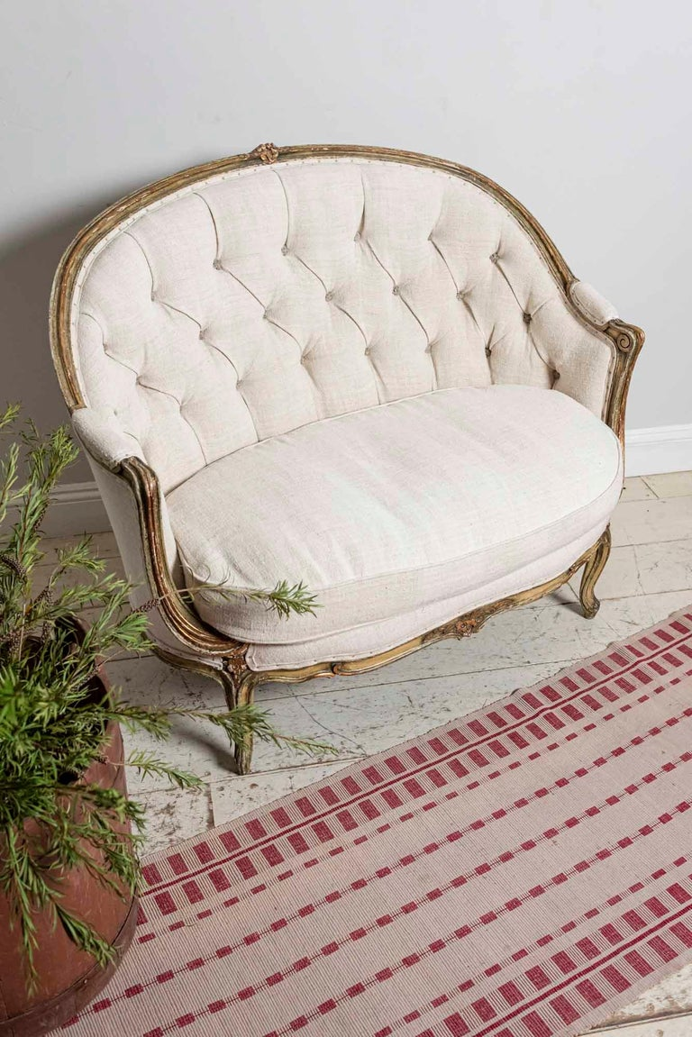 19th Century French Painted Button Backed Linen Two-Seat Carved Curved Sofa For Sale 11