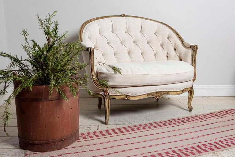 19th Century French Painted Button Backed Linen Two-Seat Carved Curved Sofa For Sale 12