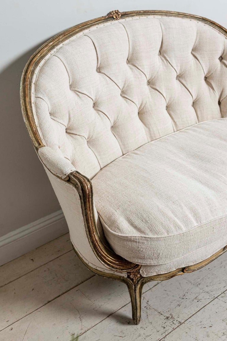 19th Century French Painted Button Backed Linen Two-Seat Carved Curved Sofa For Sale 1