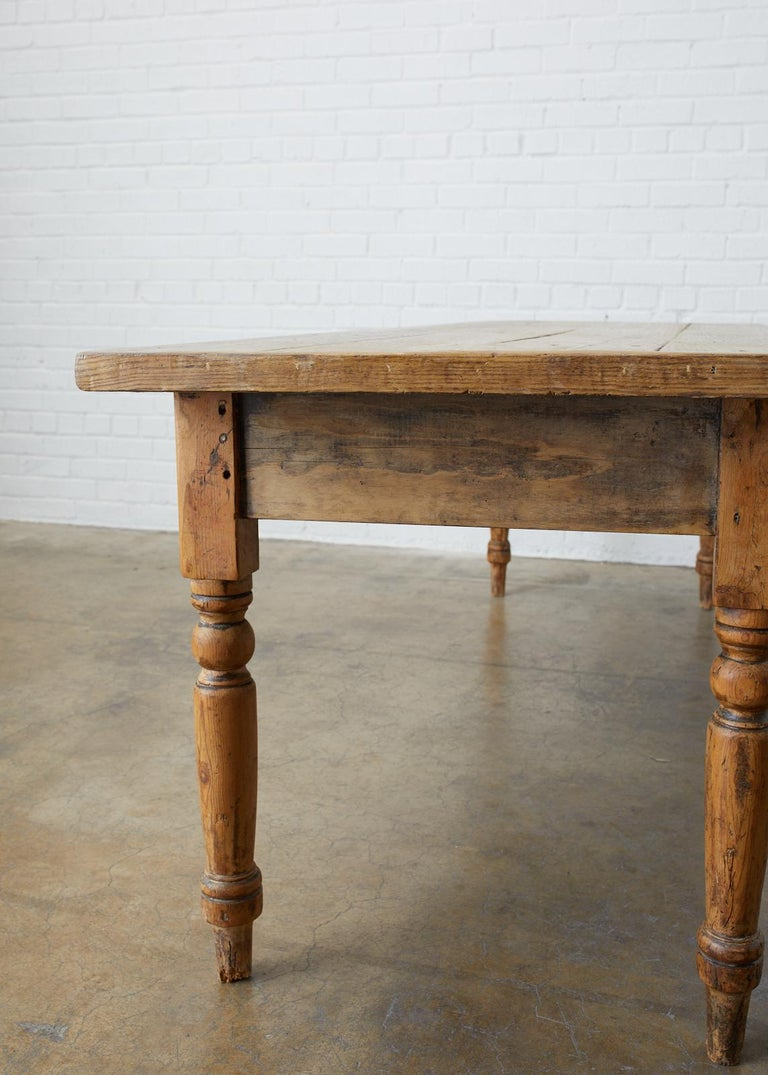 19th Century French Pine Farmhouse Harvest Table For Sale 3