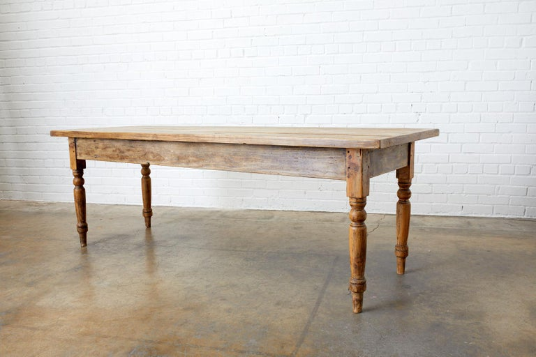 19th Century French Pine Farmhouse Harvest Table For Sale 4