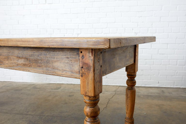 19th Century French Pine Farmhouse Harvest Table For Sale 5