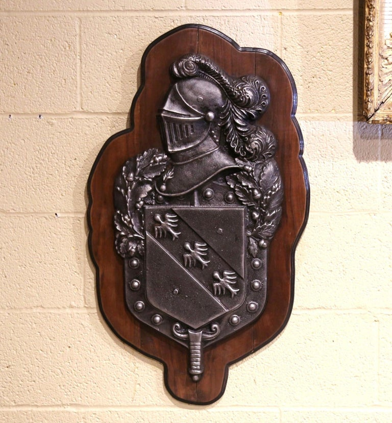 19th Century French Renaissance Style Polished Iron Crest on Walnut Plaque In Excellent Condition For Sale In Dallas, TX
