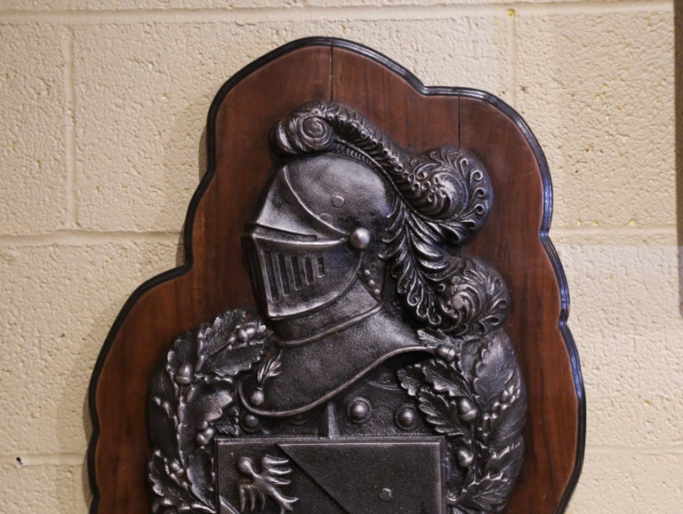 19th Century French Renaissance Style Polished Iron Crest on Walnut Plaque For Sale 2