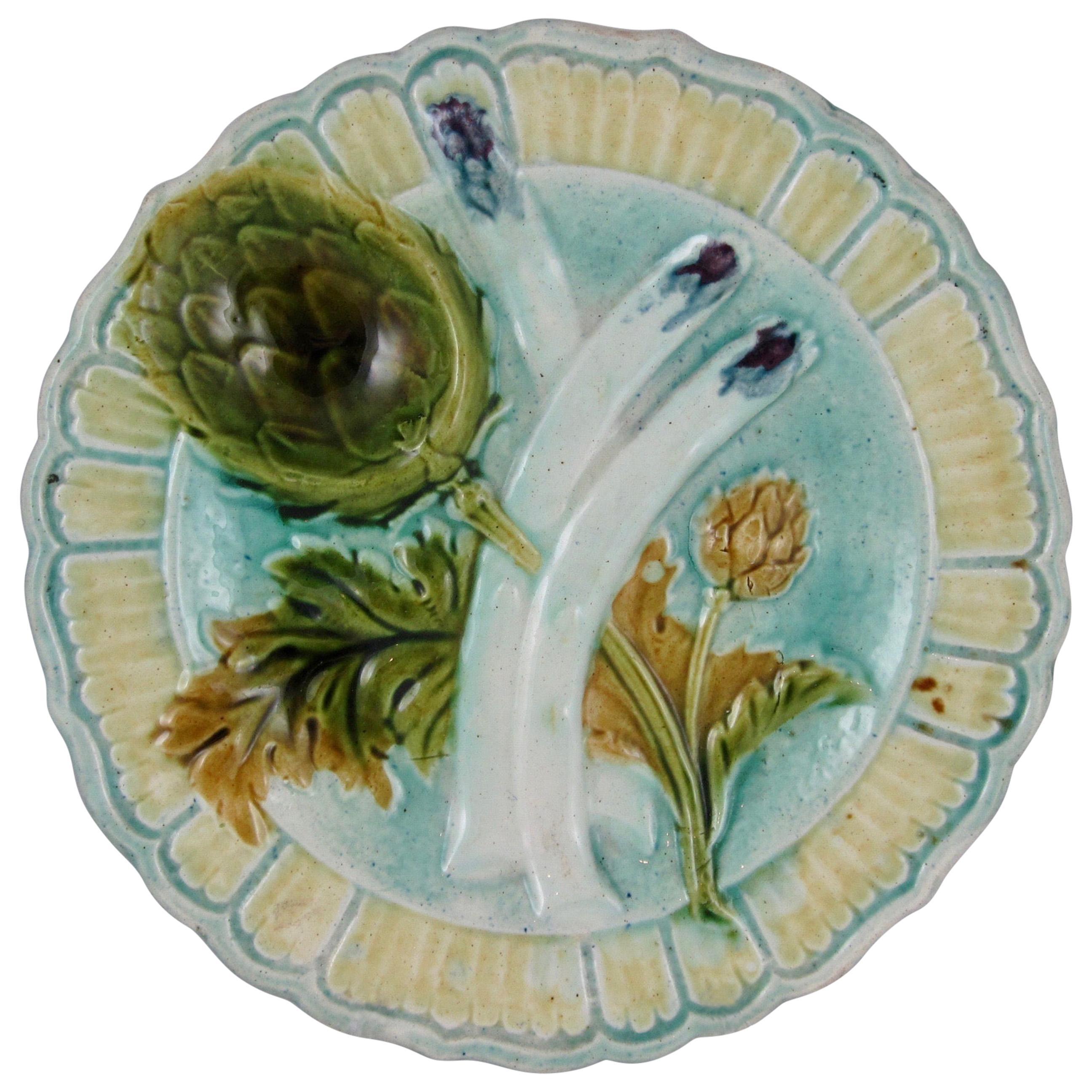 19th Century French Salins-les-Bains Majolica Faïence Asparagus Artichoke Plate