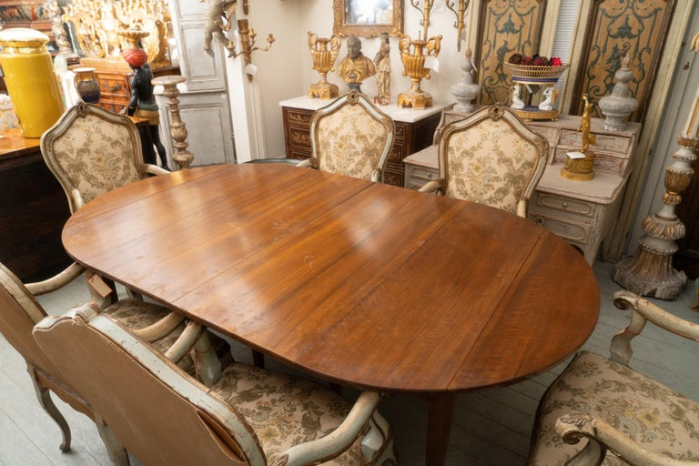 19th Century French Walnut Extension Table In Good Condition For Sale In New Orleans, LA