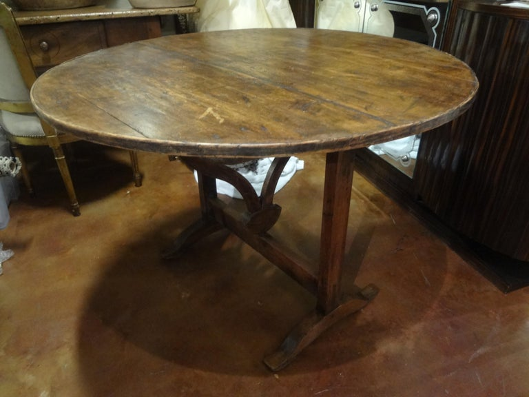 19th Century French Walnut Wine Tasting Table For Sale 10