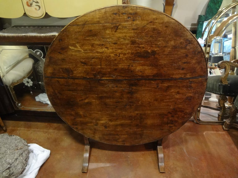19th Century French Walnut Wine Tasting Table For Sale 11