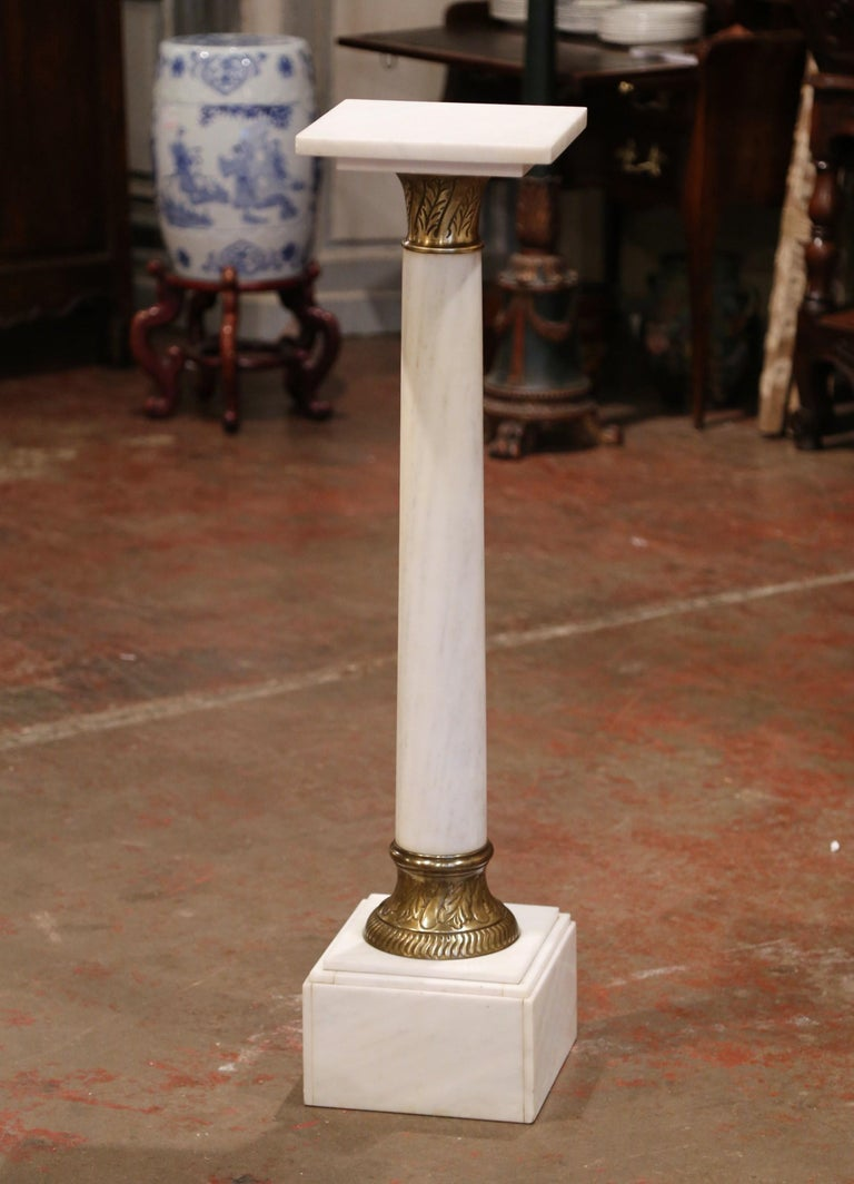 19th Century French White Marble Pedestal with Brass Rings and Swivel Square Top For Sale 2