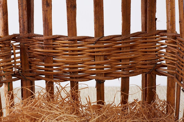 19th Century French Wicker Harvest Display Basket For Sale 5