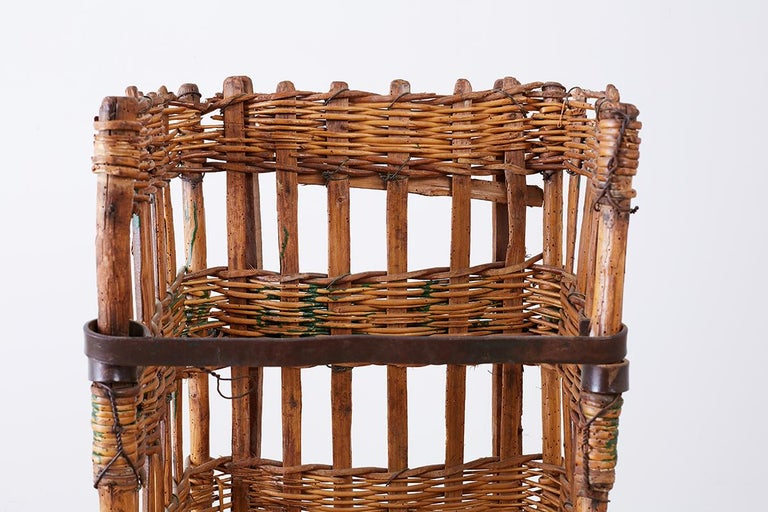 19th Century French Wicker Harvest Display Basket For Sale 2