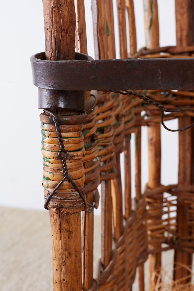19th Century French Wicker Harvest Display Basket For Sale 4